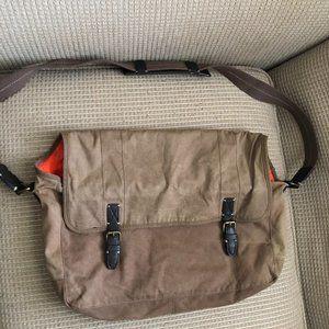 J Crew Washed /Worn Messenger Bag. In good conditi